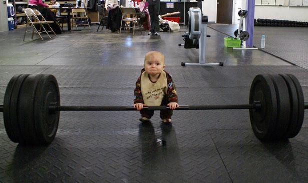 Niños y pesas